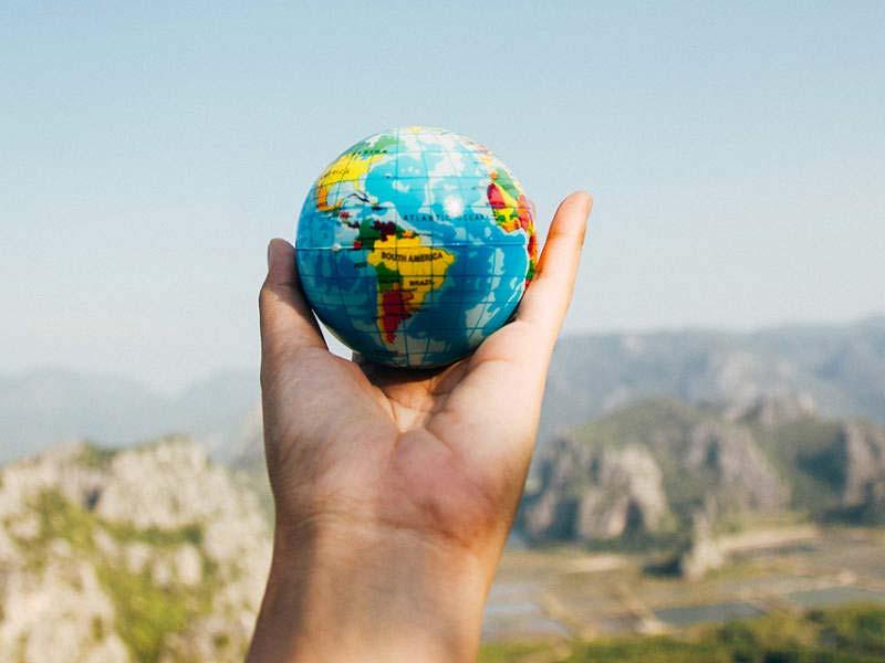 Le monde à portée de main